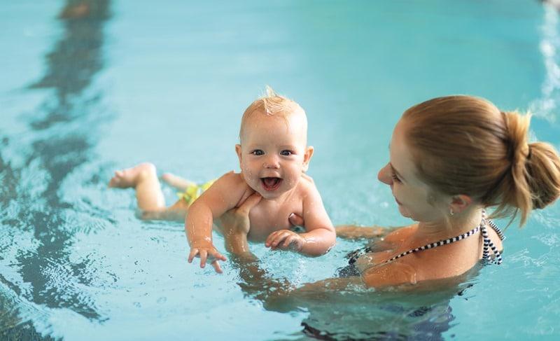 Kleinkinderschwimmkurse Kleinkinder mit einem Elternteil